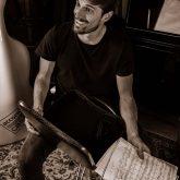 Luka (2 Cellos) use A-case carbon fiber briefcase for his music scores